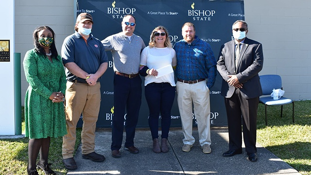 New Scholarship Helps Veterans Seeking Line Worker Training
